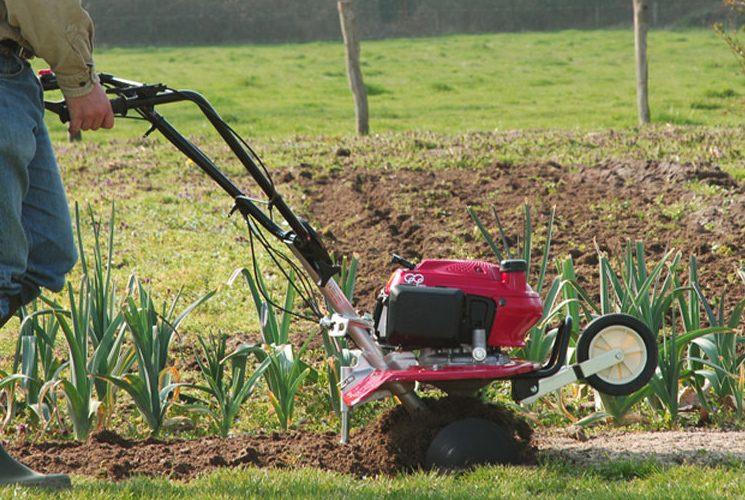 Motoculteur Honda F220: l'outil parfait pour votre jardin